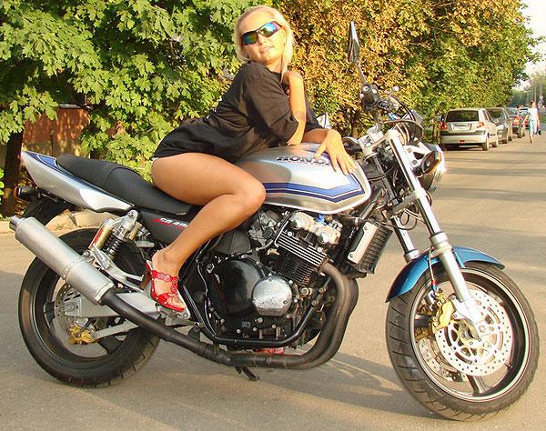 Honda-CB400SF-2