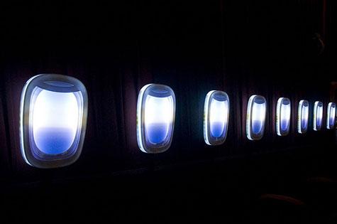 Com os apliques acessos a sensação era de estar a bordo de um avião
