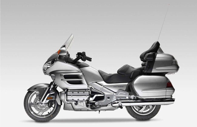 honda-gl-1800-gold-wing-