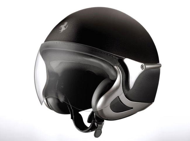 NewMax-Ferrari-helmet-black