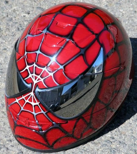 capacete-aranha-vermelho