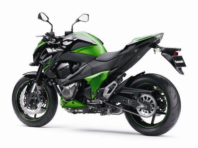 Kawasaki-Z800-02