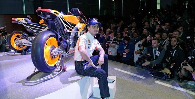 dani-predorsa-mark-marques-repsol-honda-motogp-2013-03