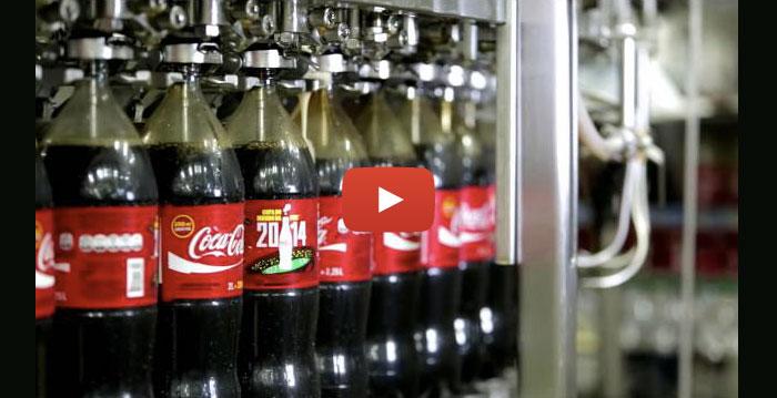 Coca-Cola e a viralização na internet da polêmica cabeça de rato encontrada dentro de uma garrafa do refrigerante