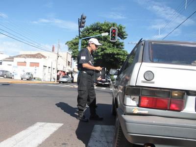 Blitz educativa em Uberaba, Minas Gerais, para a campanha Carnaval Consciente.