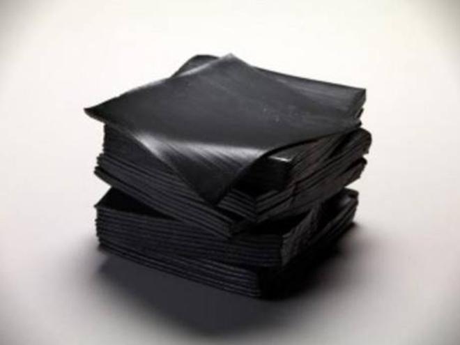 Queijo defumado com carvão de bambu