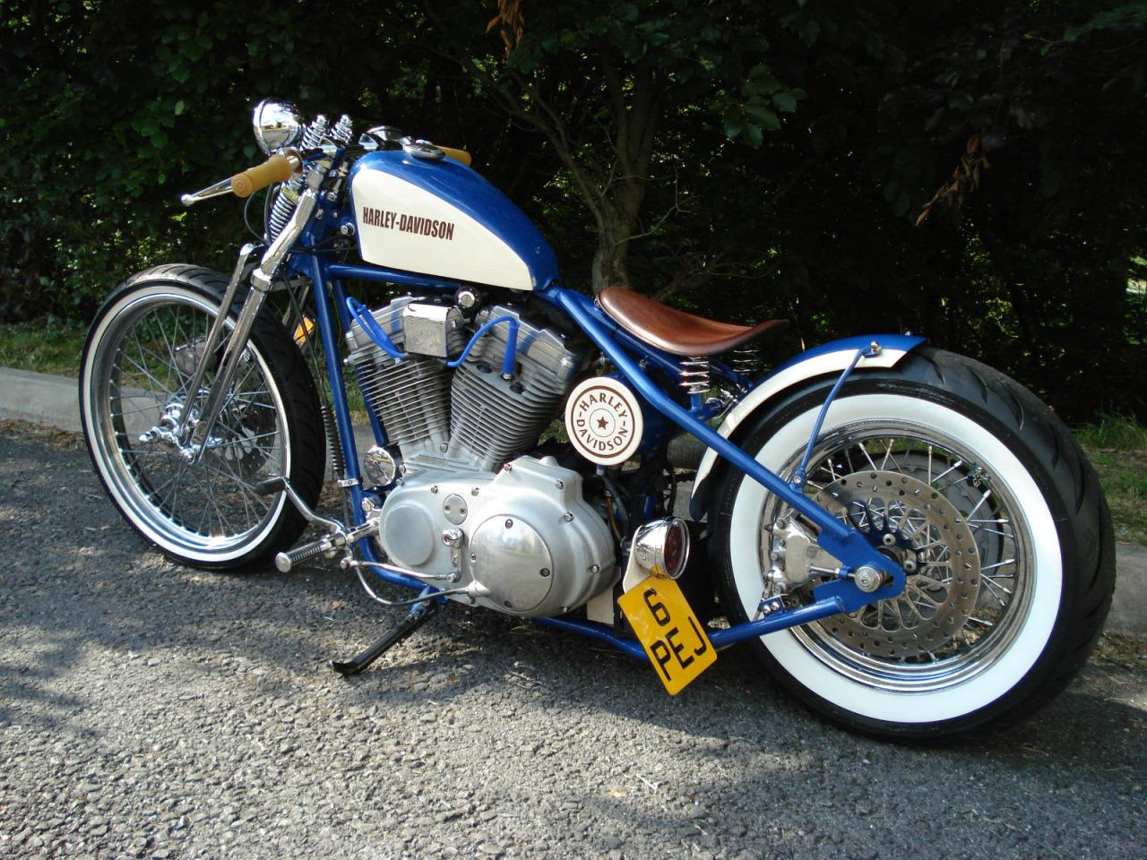 hb-xl-883C-sportster-bobber-04