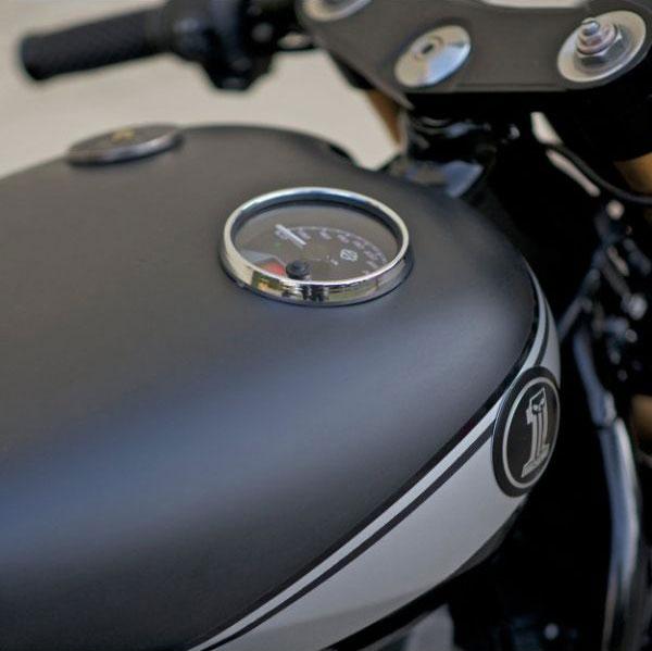 Harley-Davidson-Street-750-cafe-racer-tank