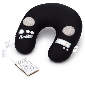 almofada-pescoco-speaker-preta-alto-falante-som