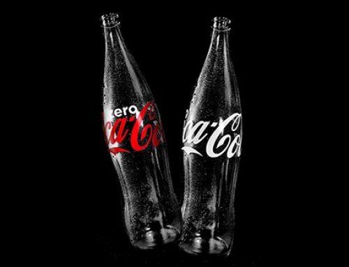 Nova garrafa de vidro contour de 1 litro da Coca-Cola