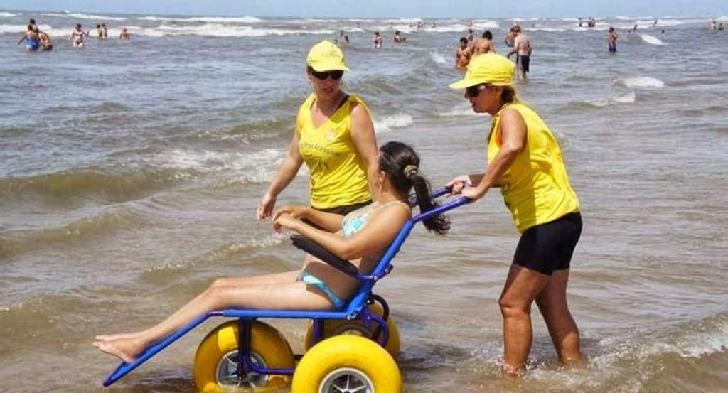 cadeirante-na-praia
