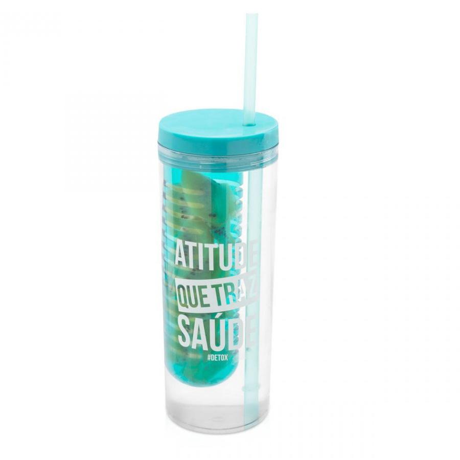 copo com infusor detox para misturar frutas na água. Água saborizada que livra toxinas do corpo